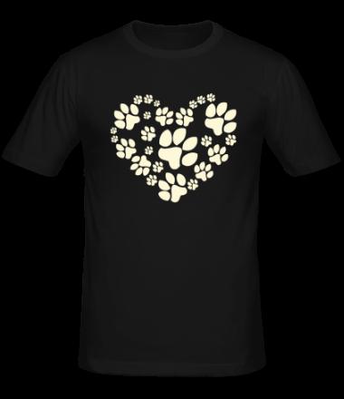 Мужская футболка  Сердце из собачьих следов (свет)