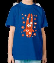 Детская футболка  Зайка с цветочками