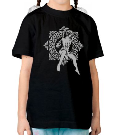 Детская футболка  Девочка в круге из кельтских узоров