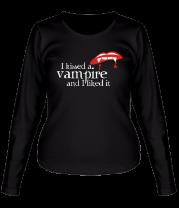 Женская футболка с длинным рукавом I kissed a vampire