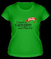 Женская футболка  I kissed a vampire